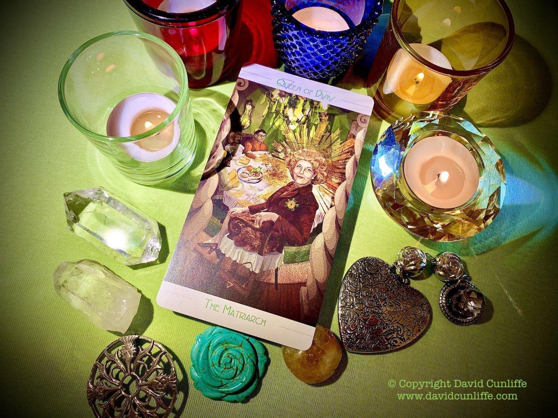 Tarot card Queen of Pentacles