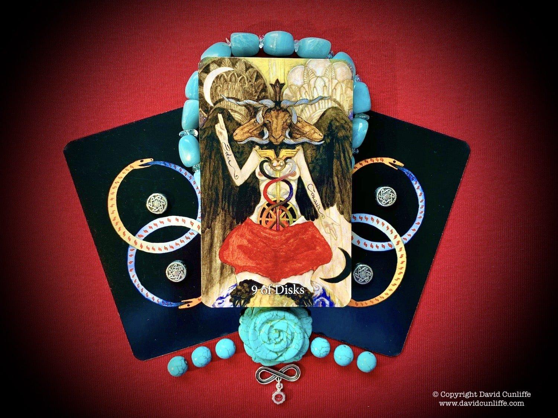 Tarot: The Nine of Pentacles - Disks